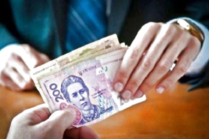 Вирок суду: оперативника поліції за хабар покарали штрафом