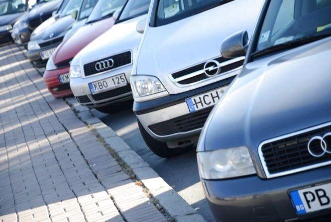 Вінницькі митники готуються штрафувати водіїв на «євробляхах»