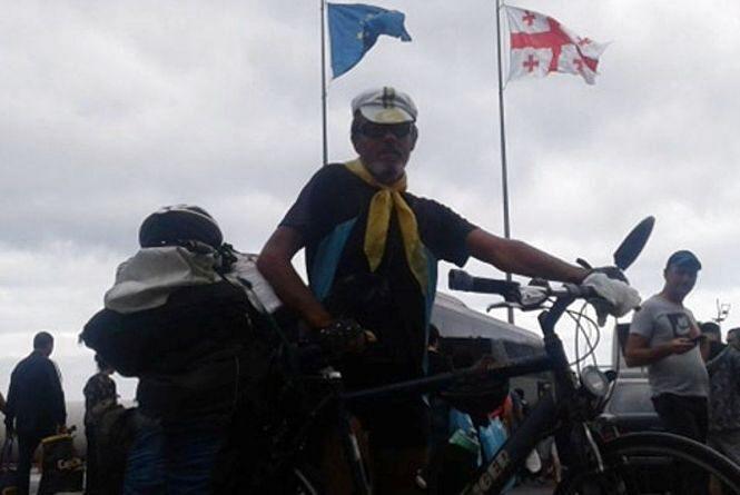 «У Крим не поїду…» Веломандрівник з Вінниці вимушений змінити маршрут