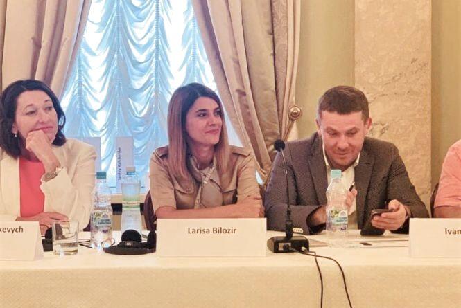Лариса Білозір: «Потрібно, нарешті, провести декомунізацію адмінтерустрою держави» (Прес-служба Лариси Білозір)