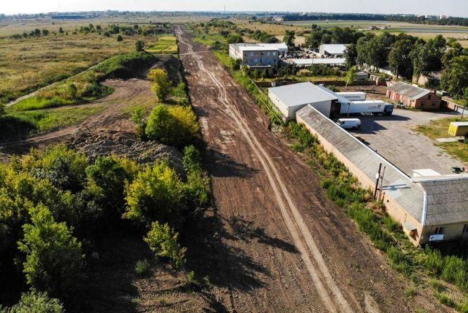 У Вінниці почали будувати першу бетонну дорогу