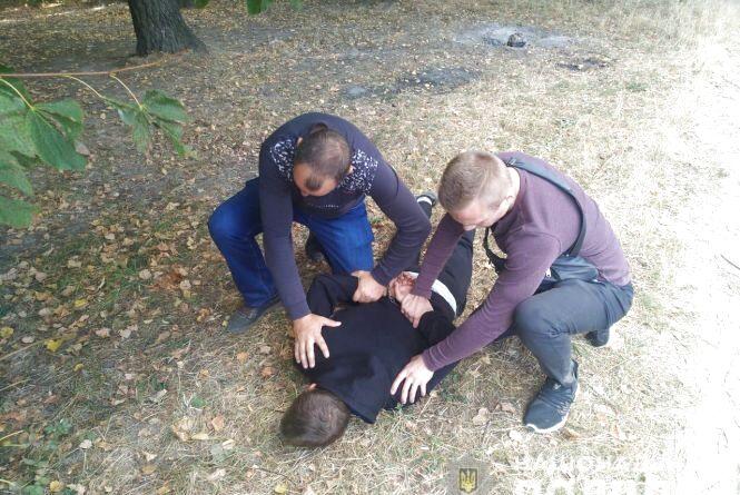 На Вишенському озері екс-зек зухвало напав на жінку. Чому повернувся на місце злочину?