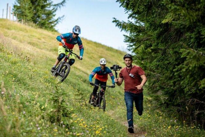 Мальовничі гори та екстрим. Перший український велофільм показали у Вінниці