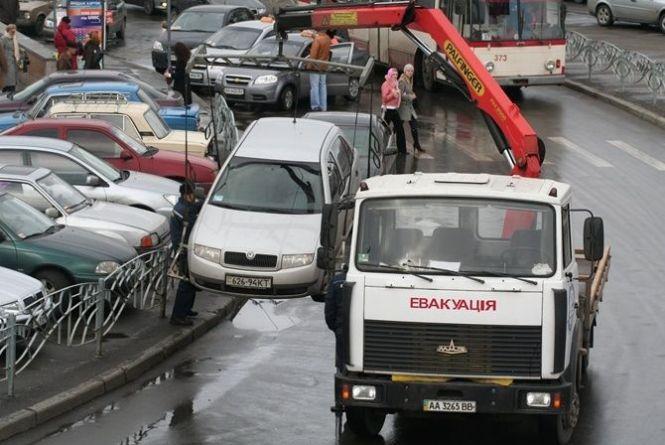 У Вінниці буде муніципальний евакуатор. А що там з новими парковками?