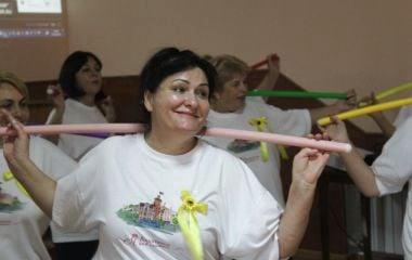 Фітнес-бабусі займаються спортом під Dan Balan та Dzidzio