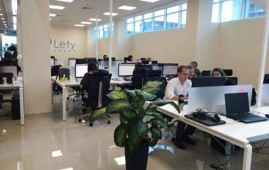 Обшуки в LetyShops: вінницькі айтішники просять розголосу (ВІДЕО з місця)