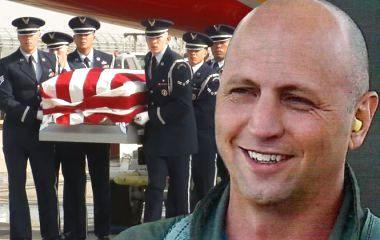 «Дякуємо за твою службу»: як у США прощались з загиблим льотчиком Сетом Нерінгом