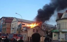 На Вінниччині шестеро пожежників гасили продмаг «Гранд»