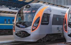 Майже рік курсує поїзд з Вінниці до Польщі. Що змінилося?