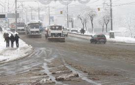 Дороги від льоду звільнятимуть бішофітом. Його вартість — 5,6 мільйона гривень