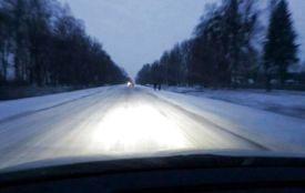 Перший сніг: рятувальники тягли три автобуси та два автомобілі