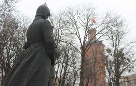 «Переселення» пам'ятників, могил та Вежі Артинова. Цікаві факти про Європейську площу