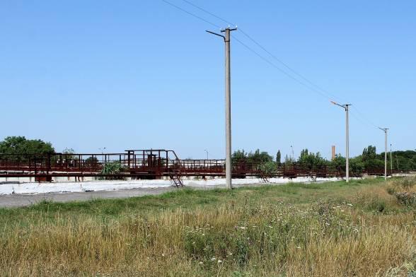 """Через огороди людей можна потрапити на """"закриту"""" територію очисних споруд """"Водоканалу"""""""