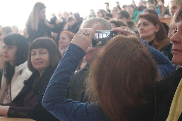 Фотографуємо, як фотографують чималу кількість учасників