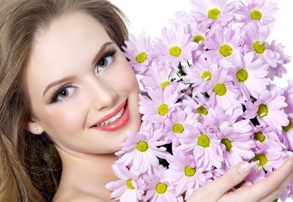 """Конкурс """"Квітка з квітами"""". Перемогла Вікторія Мележик"""