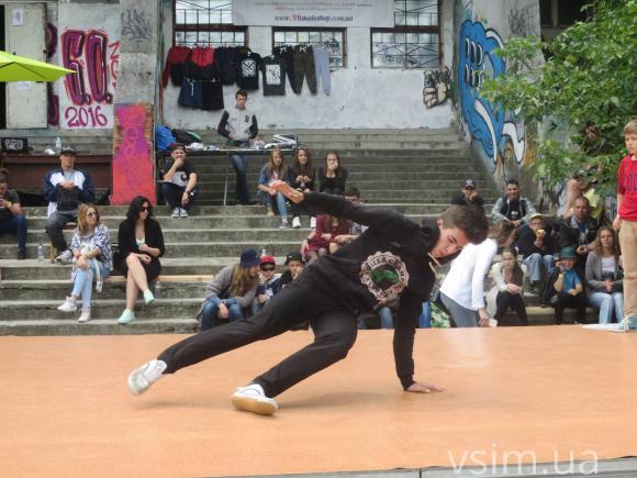 """У Хмельницькому відбувся фестиваль вуличних видів мистецтва """"Джемчик 6.0"""" - фото 2"""
