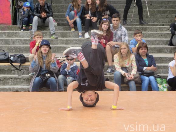 """У Хмельницькому відбувся фестиваль вуличних видів мистецтва """"Джемчик 6.0"""" - фото 3"""